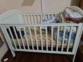 Dijual cepat box bayi tempat tidur bayi jual murah