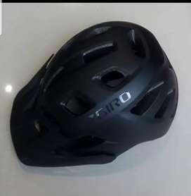 Helm Giro Fixture Mat Black XL