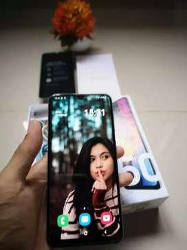 Samsung A50 4/64 fullset nominus pembelian bulan 9.2019