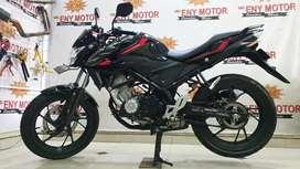 CB150R BLACK  GLOSSY MANTAP - ENY MOTOR