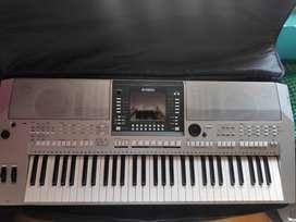 Yamaha PSR S-710 Arranger Keyboard