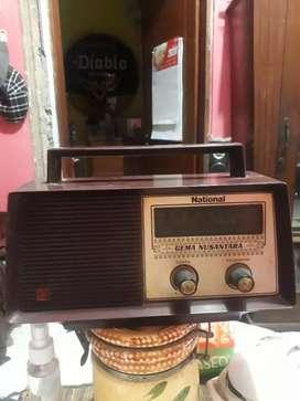 Radio lawas merk.nasional kondisi normal