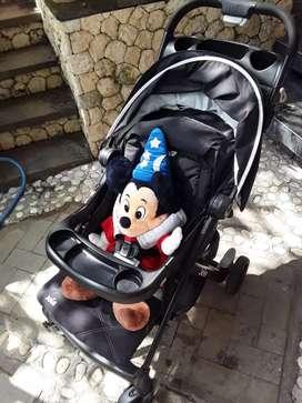 Stroller bayi dan atau anak balita Merk Joie