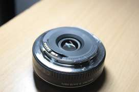 Canon 40mm f/2.8 Lens