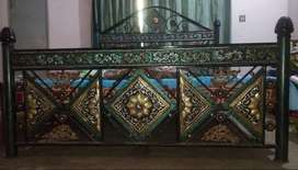 USED IRON MADE BED, SOFA, DRESSING,