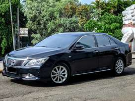 Toyota Camry V 2013 / AT / Low KM & Like NEW