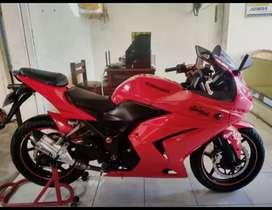 Bali dharma motor, jual Kawasaki ninja KARBU MERAH THN 2010