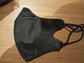 Masker duckbill warna hitam