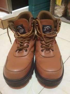 Sepatu Safety Shoes Coklat
