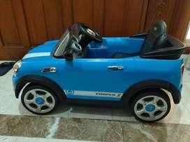 Junior Mini Cooper Mainan mobil aki remote control preloved Secondhand