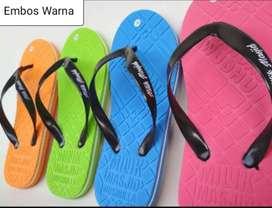 Sandal wudhu dan sandal santri