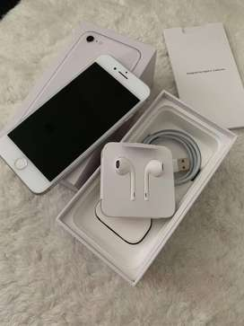 Apple i phone 8 256/3 GB silvery color  in good condition with all acc