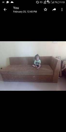 Comfort sofa with storage