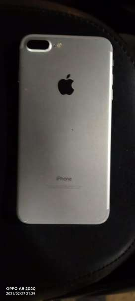 iPhone 7+ in excellent condition without a scratch