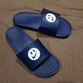 Nike benassi smile logo , murah sandal