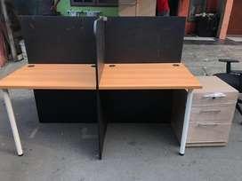 Meja partisi 4 meja merek UNO murah, ukuran 80x60cm/ meja