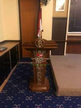 Mimbar podium pidato