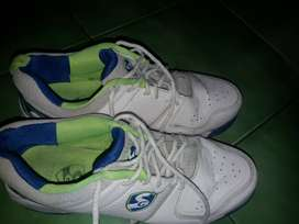 Sg original shoes10no. 1 time use only .big size purchased by mistake