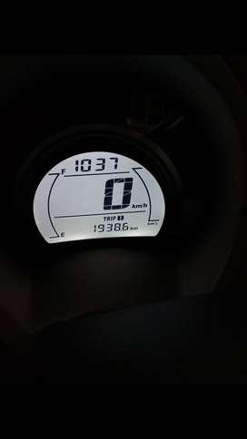 Dijual motor NMax,  dijamin kinclong,  kilometer baru 2000