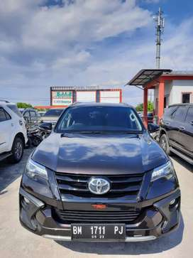 Fortuner 2018 VRZ TRD diesel matic. Km 60rb