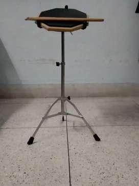 Practice drum pad non - Eeleteric with sticks