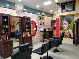 Beauty parlour Job