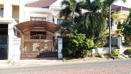 Rumah villa sentra Raya dekat taman gapura gwalk citraland