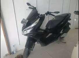 +Honda PCX Hitam