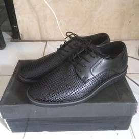 Sepatu pantofel annton & co