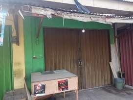 Dikntrakan kios/toko pertahun Lok. persis dpn kodim, Nancang  serang.