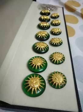 URENT SELL Royal occasion wearable buttons