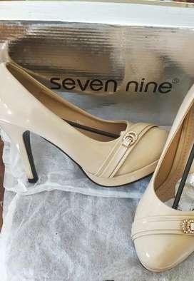 Sepatu High Heels, Merk Seven Nine
