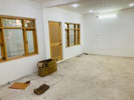 Space available for working purpose on ist floor (parimpora bus stand)