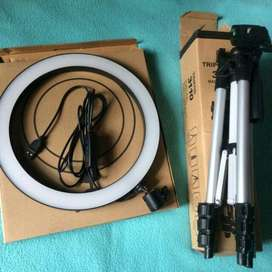 RING LIGHT AND TRIPODS AND OTHER ASSESSORIES