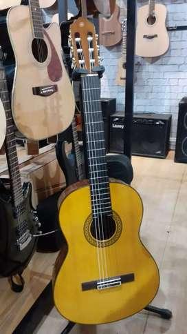 Gitar Akustik Yamaha C390 New Stockks