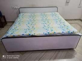 King size double bed +storage+ footrest+headrest