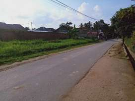 Rumah pinggir jalan dekat pasar Untung Labuhan Ratu