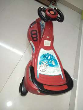 Kids bicycle, it's very good condition, rarely used
