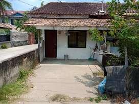 Dijual tanah beserta bangunan 7 rumah