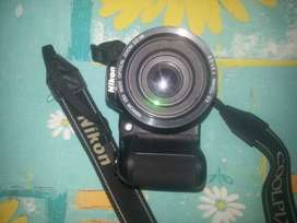 Nikon digital camra with universel charger and new battry hd led