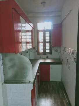2bhk independent floor with lift nd car parking
