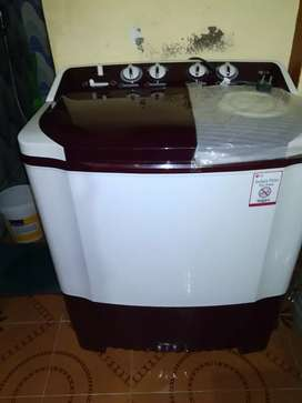 12000 L.G semi automatic,new 2month old.good condition,