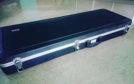 Hard case (guitar)