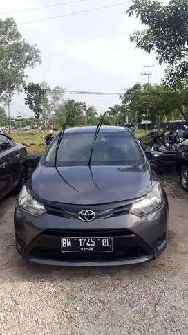 Di jual Toyota sedan Vios limo gen 3 2013