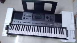 Yamaha keyboard I500