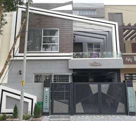 6 Marla Corner House For Sale In Usman Block Bahria Town Lahore