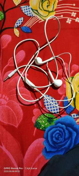 Oppo Original Earphone (White Colour)