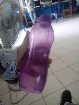 Botol minum warna ungu