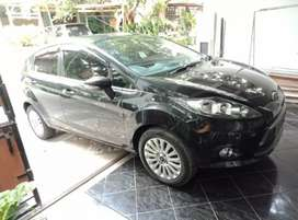 Ford fiesta 2013 AT hrg 94 jt nego