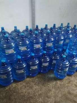 Air minum isi ulang/ air galon